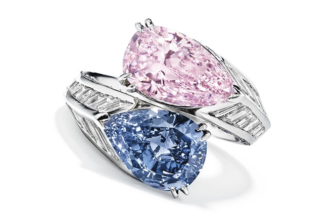 The Cartier crossover twin stone ring.