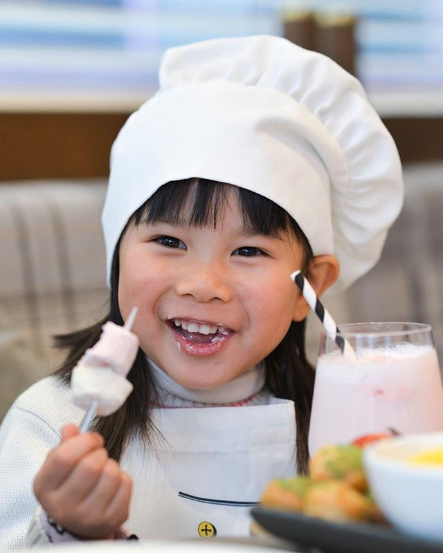 Stuck for ideas on how to entertain the kids during the school holidays? Bring the little ones to @sheratonmelbourne for our Kids Can Cook event which kicks off today. Available until 12th June only. Visit the link in bio.👨🏻‍🍳👩🏻‍🍳 Spaces are limited!!!