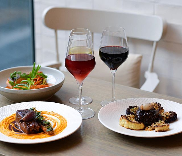 It's almost lunch time. Impress your colleague or client with a business lunch at Little Collins St Kitchen. Enjoy two courses and a glass of wine for only $39.50 Visit the link in bio for our current menu.🍷🍽