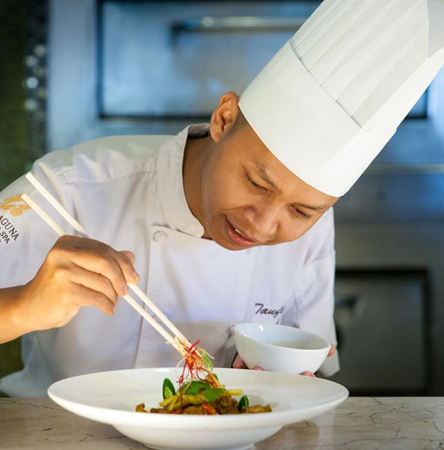 This September guest are invited to take a culinary journey into the colourful cusine of Indonesia and experience our famed seafood buffet with a twist.  From the 5 - 8 September and in conjunction with Club Marriott, Chef Taufik from @thelagunabali will also showcase his faovurite Indonesian dishes at the hotel. Visit link in bio.