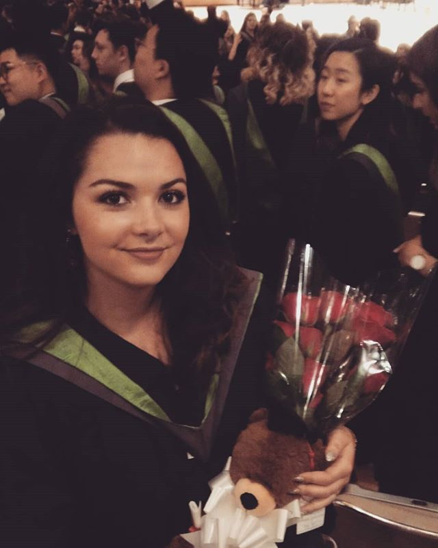 Last official day with my Ocadians, it was a real pleasure working and growing along those amazing artists!  And now i'll be back to France in  a week !  #theend #graduation #ocadu #ocadu2018 #brunette #femaleartist #art #artstagram #artschool #artstudent #university #torontoart #toronto #canada #illustration #illustratrice #illustrator
