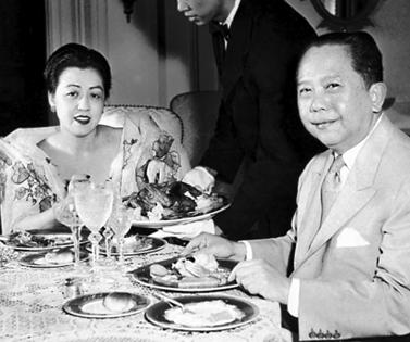 Ambassador Romulo and Virginia Llamas feasting on Chicken Relleno in their Washington, DC, home.