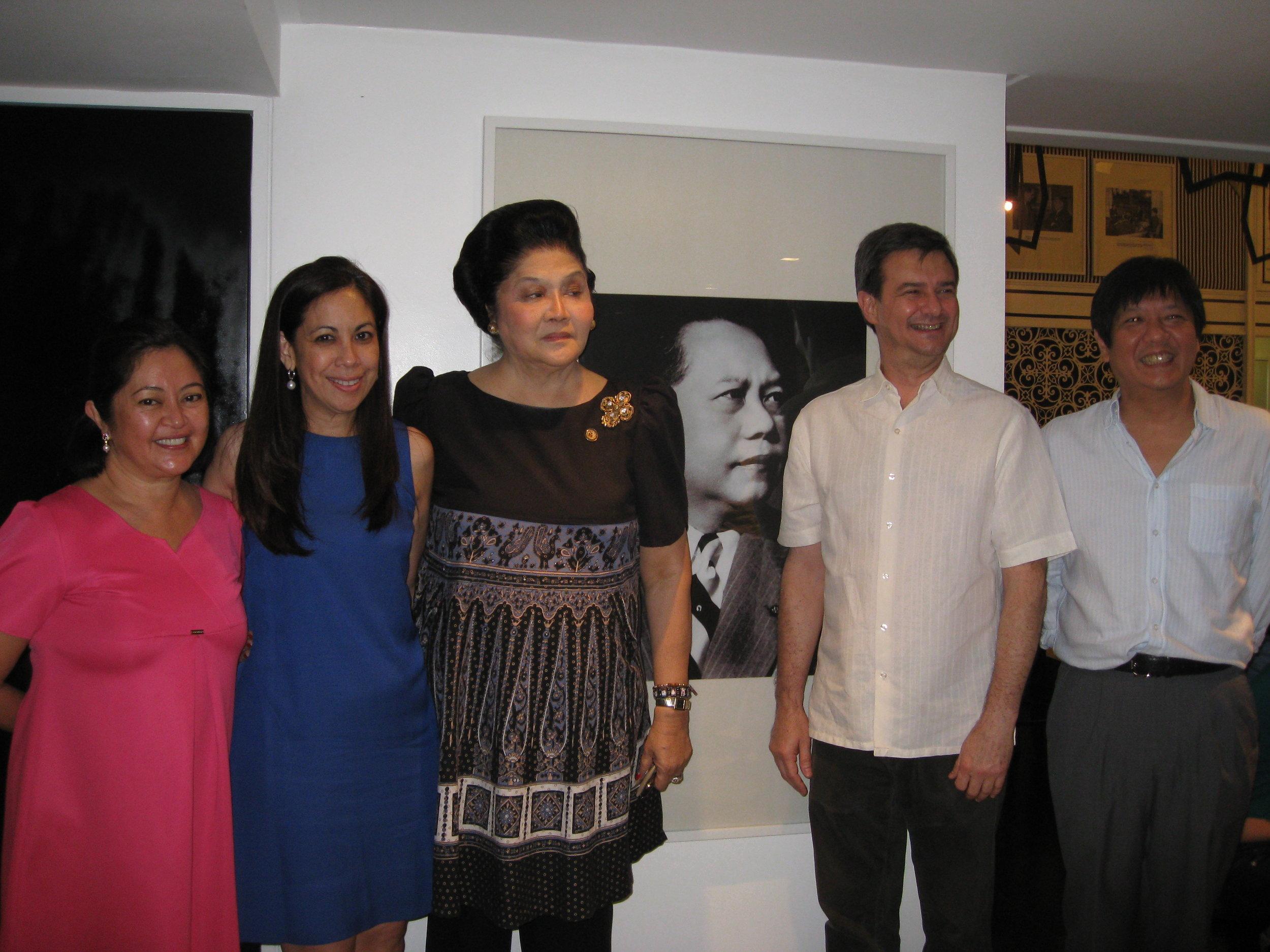 Liza Araneta Marcos, Sandie Squillantini, Imelda Marcos, Enzo Squillantini, and Ferdinand Marcos, Jr.