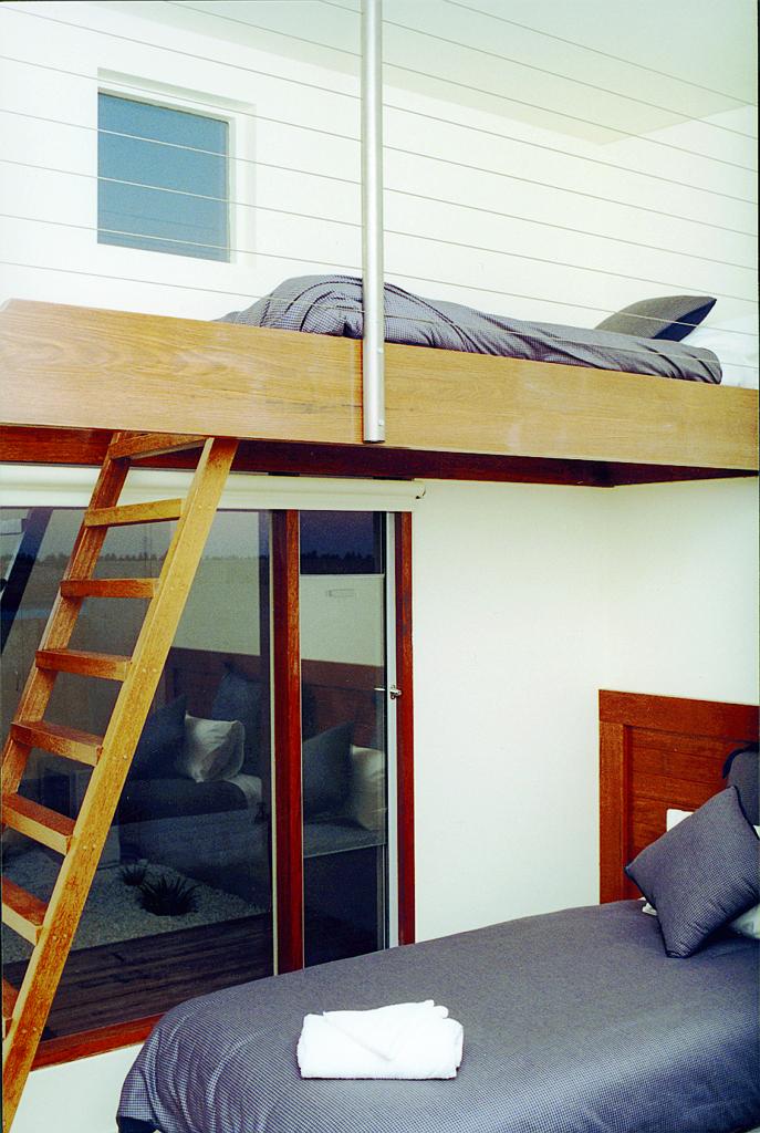 56-HearnsVillas-bunk.jpg