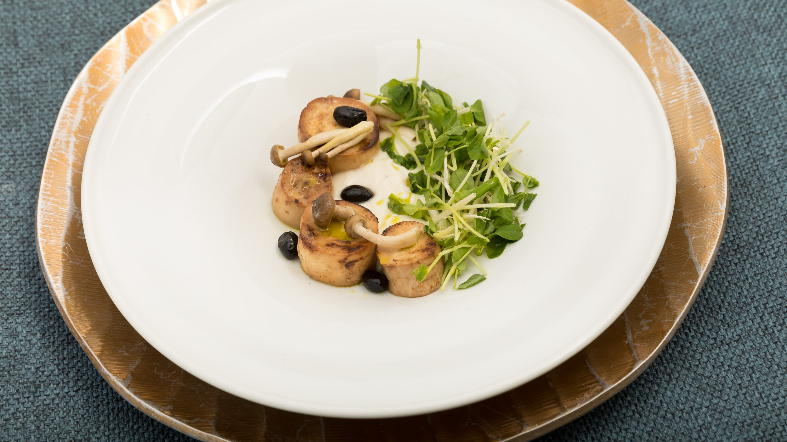 Miso Glaced King Oyster Mushroom Scallops w_Cauliflower, Lemon Veloute & Snow Peas,Pea Tendrils_Amanda Gentile5.jpg