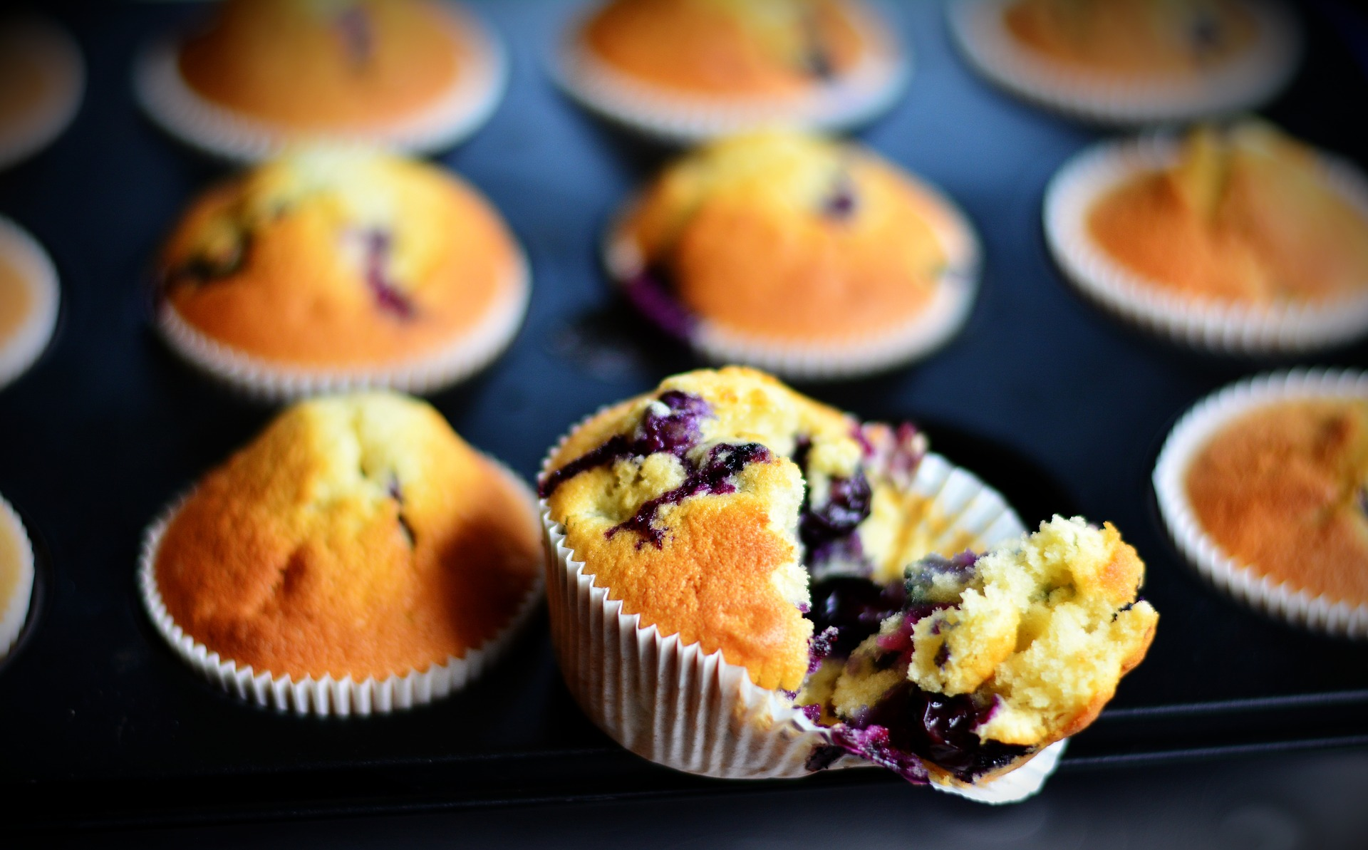 muffins-3370959_1920.jpg