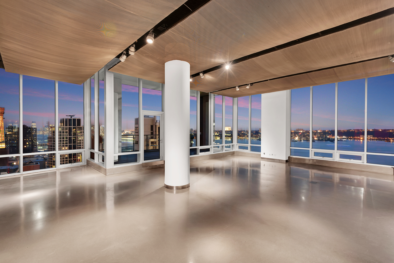 1.++Glasshouse+Chelsea-+21st+Floor+South-West+Facing.jpg