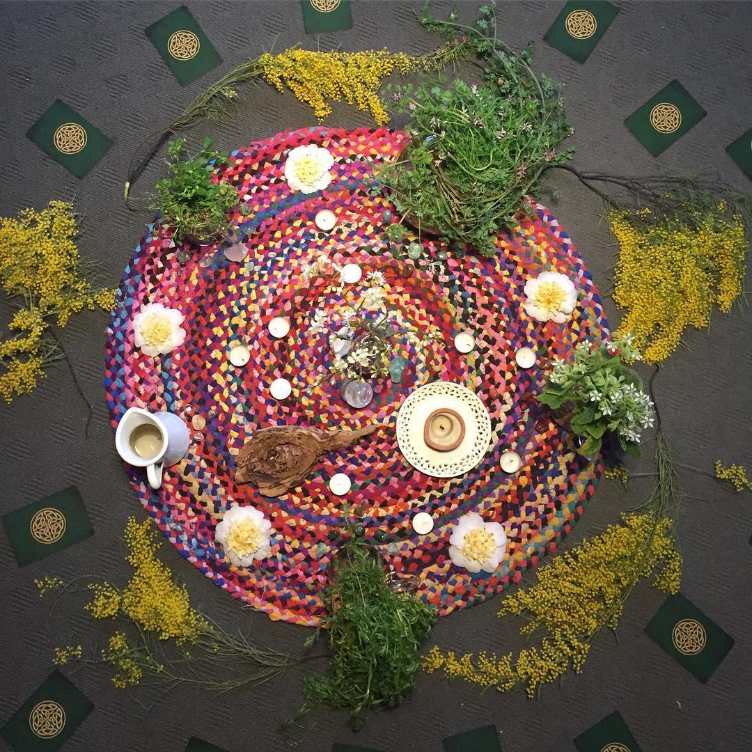 circle altar.jpg