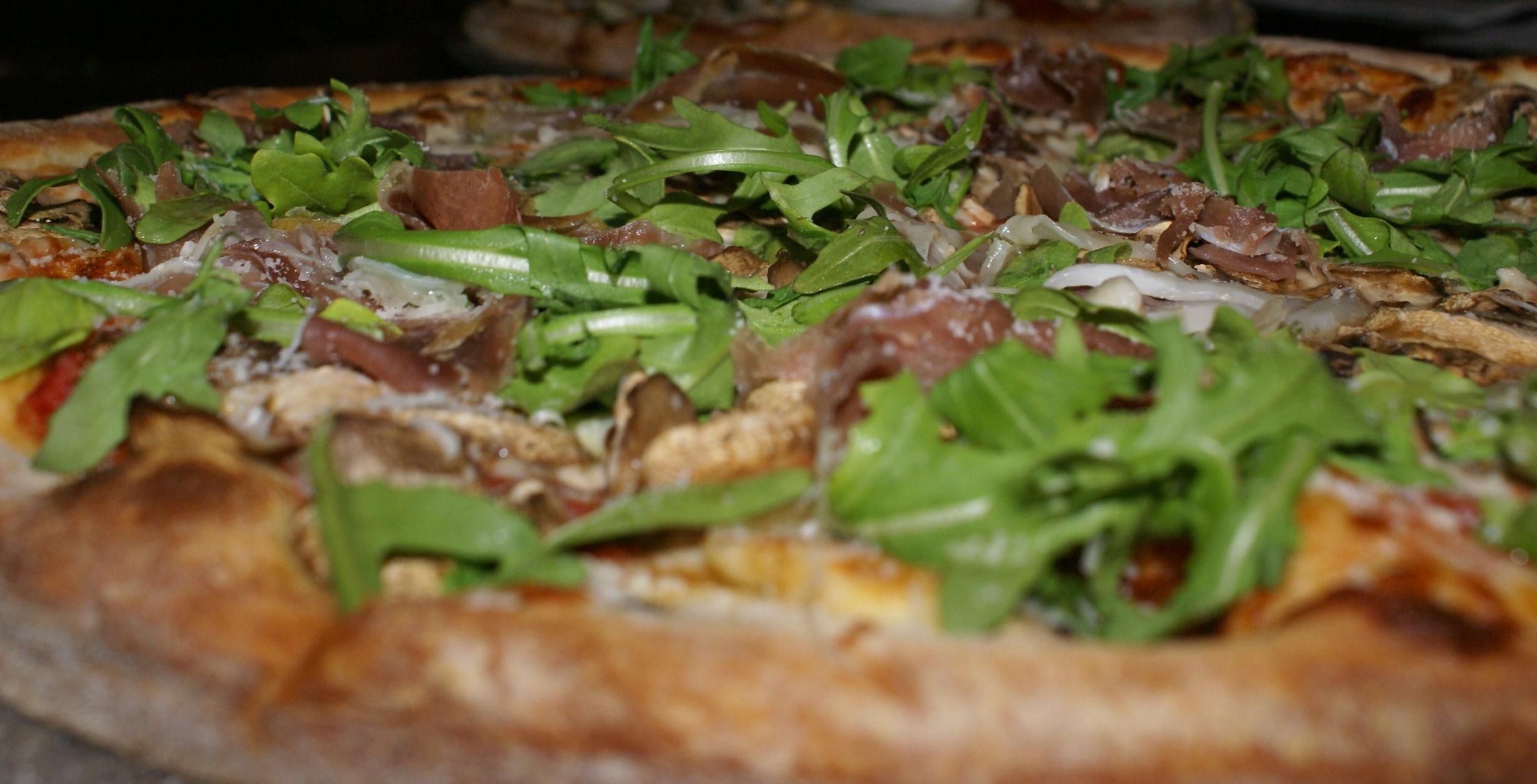 GiGi's Pizza - prosciutto, mushroom, arugula, parmesan