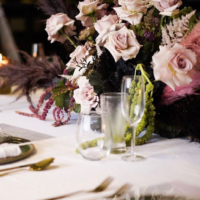 We can't believe how the time flies! A week since we created this funky tablescape 💕