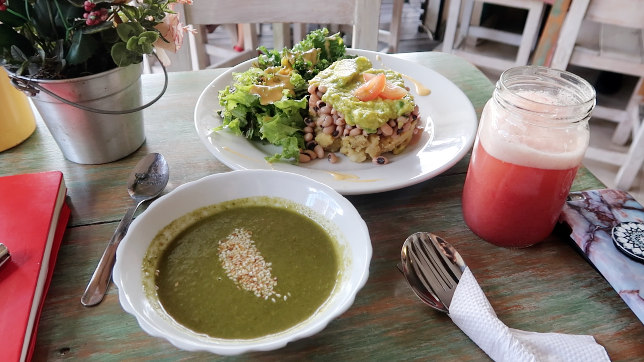DharmaCafeMedellinColombiaVeganFood.png