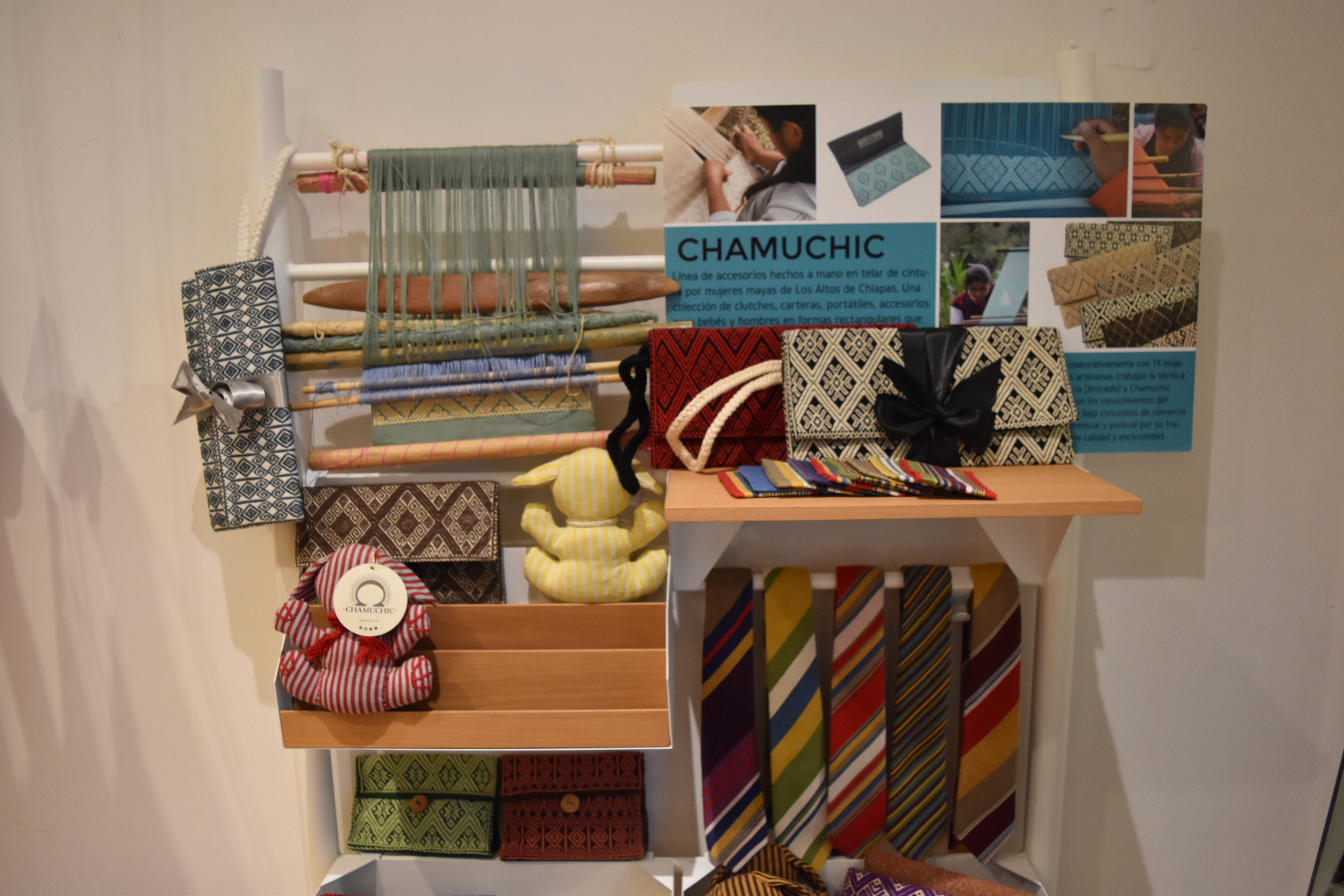 Chamuchi - A line of textile accessories designed and produced by indigenous artisans from Los Altos de Chiapas.