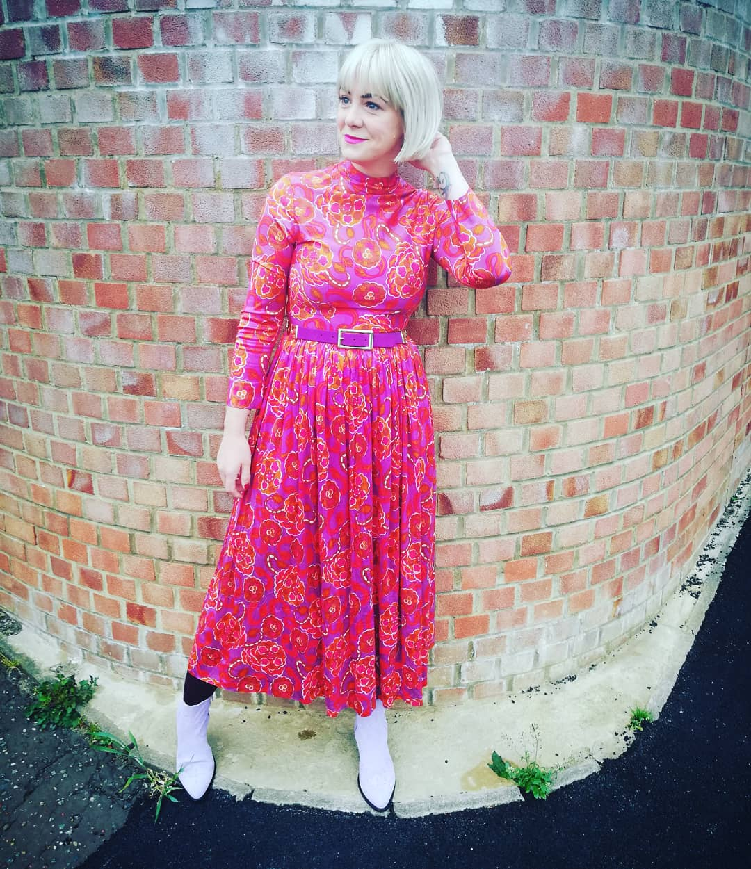 Cinching in a 70s dress from  Scarlet Vintage Retro  with a belt from a  Cancer Research UK Shop .