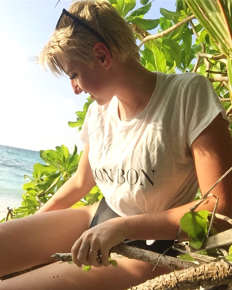 Mindful in Maldives. Elsa wear an old American Apparel swimsuit with GOTS certified cotton  Bon Label  tee.
