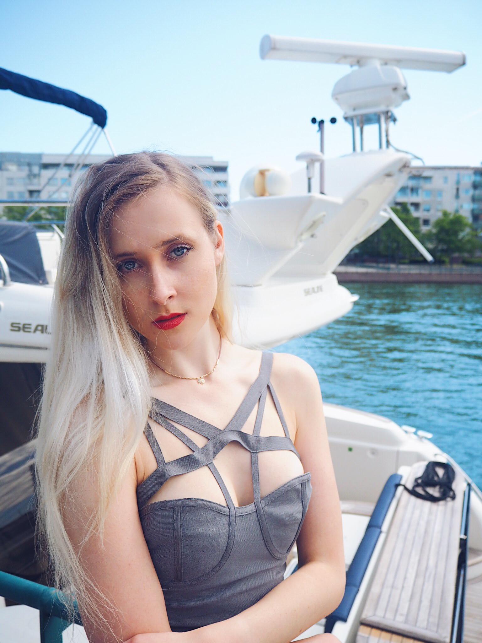 yachtmodel-4.jpg