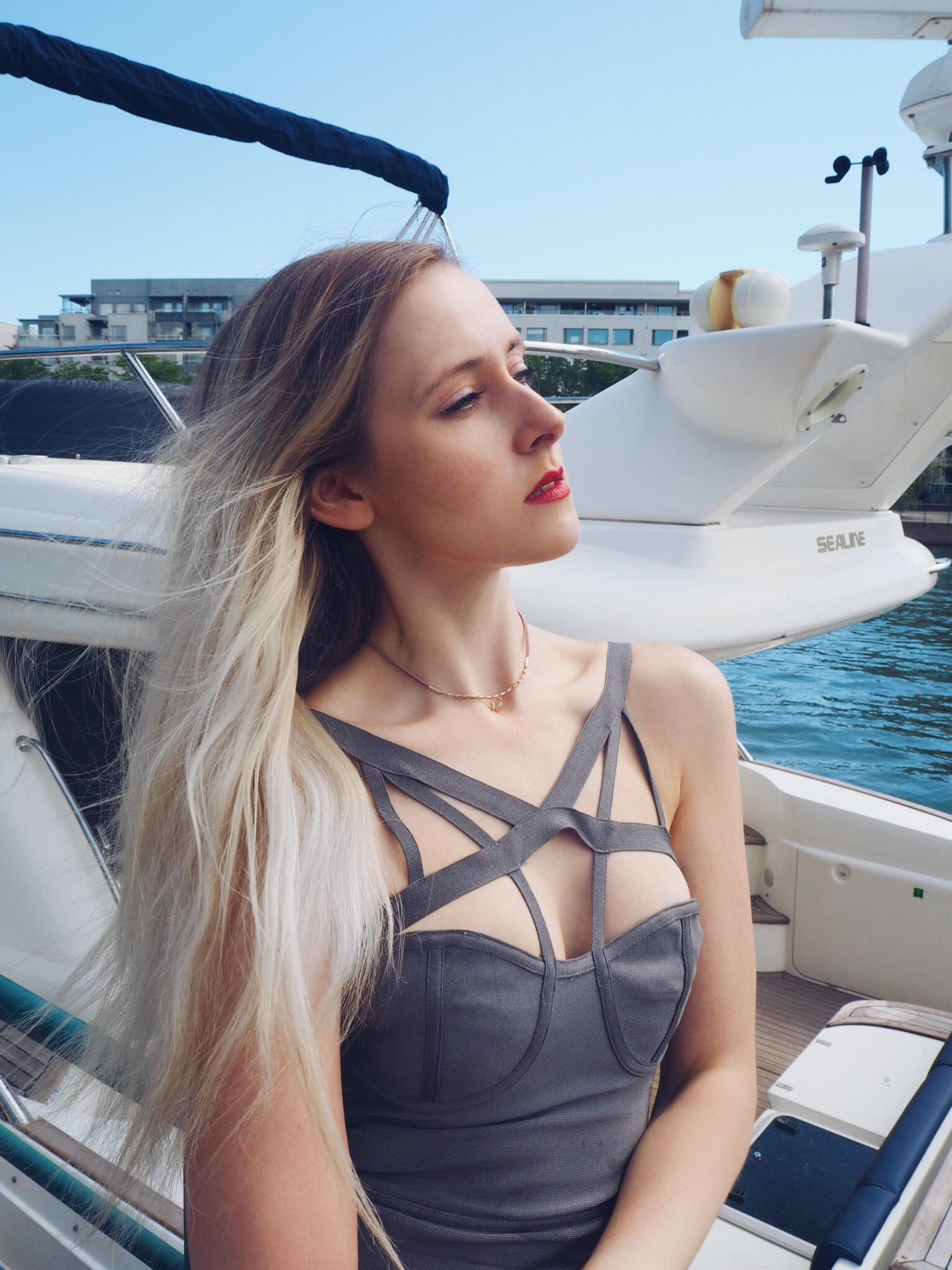 yachtmodel-5.jpg