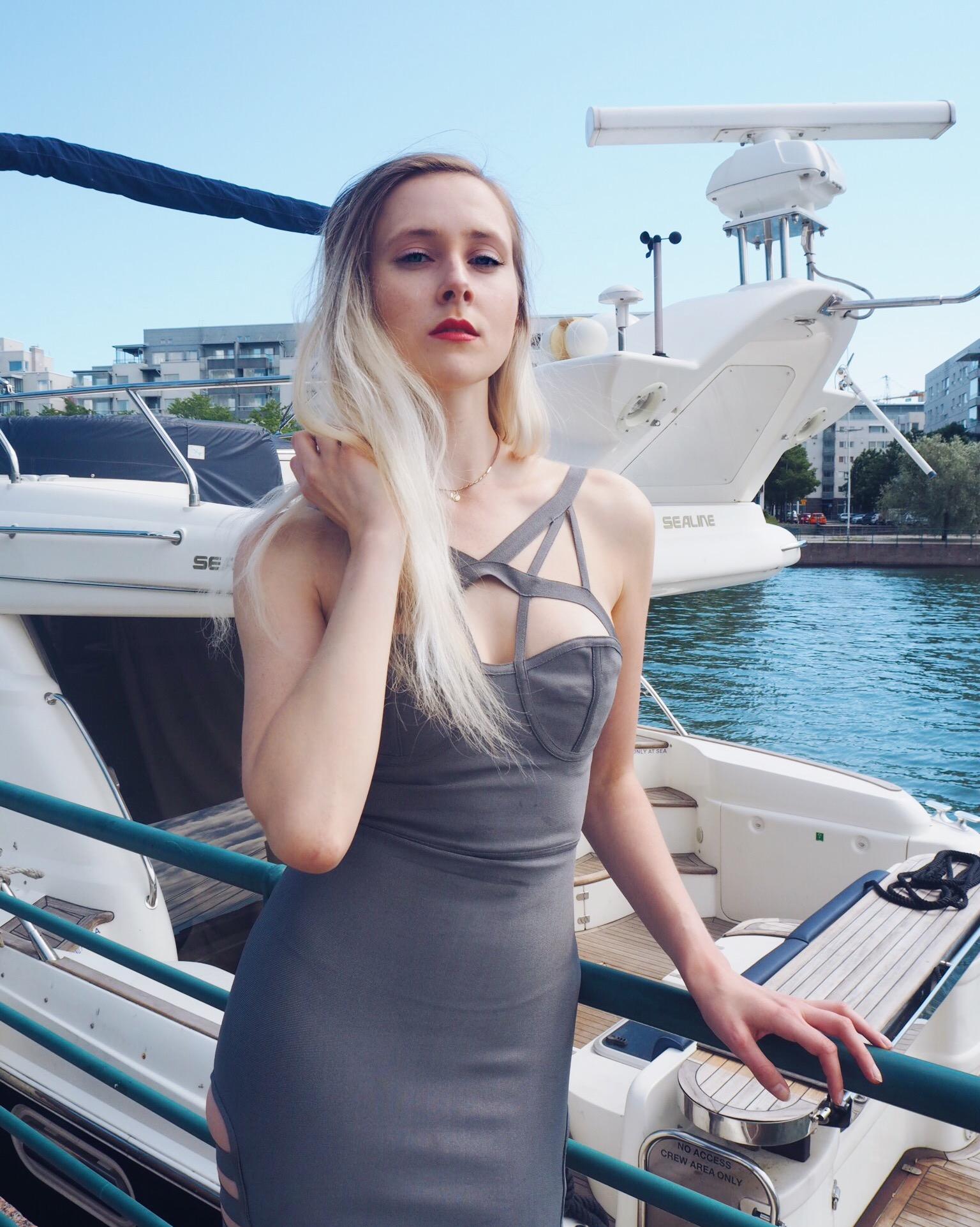 yachtmodel-6.jpg