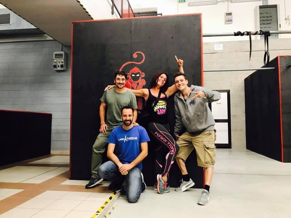 Milan Monkeys - Total Natural Training - Ingela Lantz Grundare av No2Drugs Fit4Life reste till Milano för i Juli 2017 för att skapa samarbete med klubben som vi hört mycket gott om och lära av varandra. På bilden ser ni grundarna av klubben Davide Polli och hans fantastiska team. Vi kommer att starta ett utbytesprogram för våra coacher och inspiratörer detta gäller även Hamburg - Tyskland
