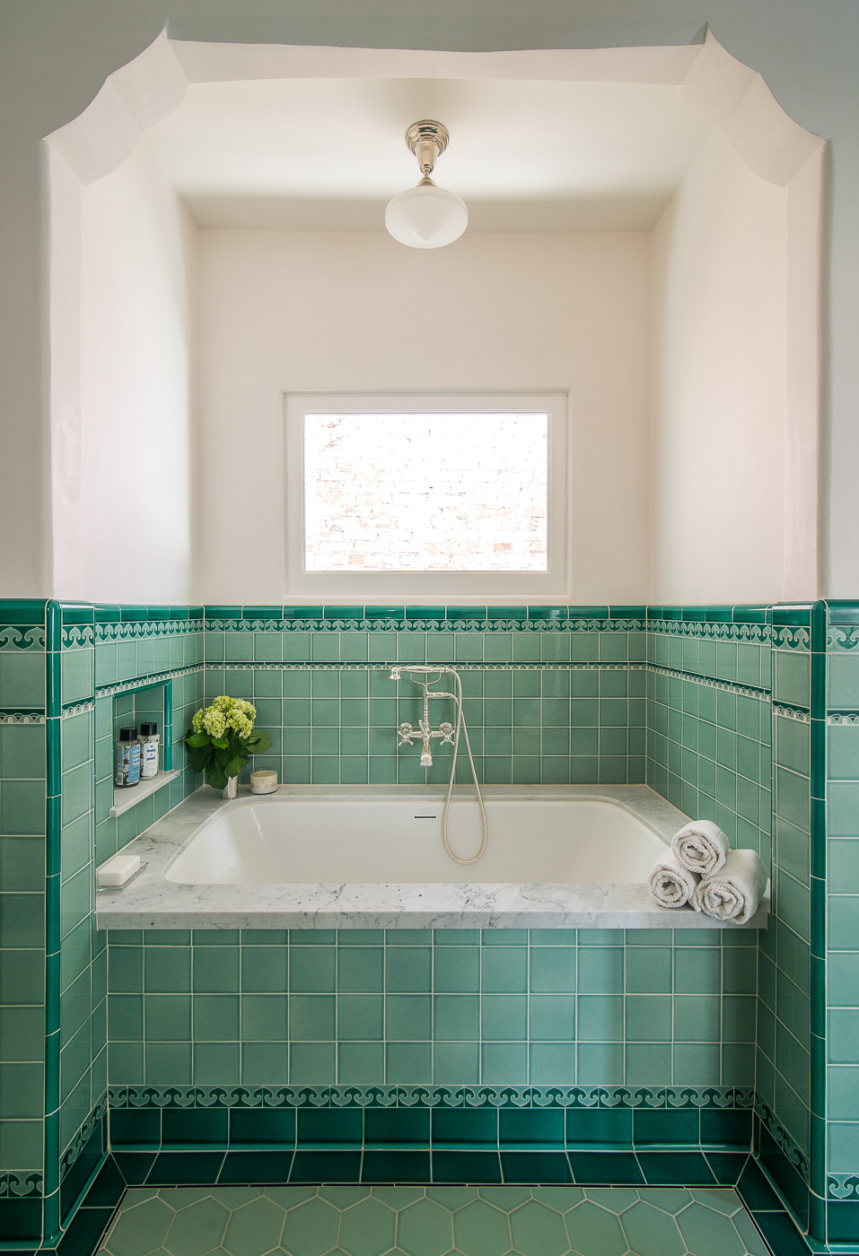01-edgemont-bath 3.jpg