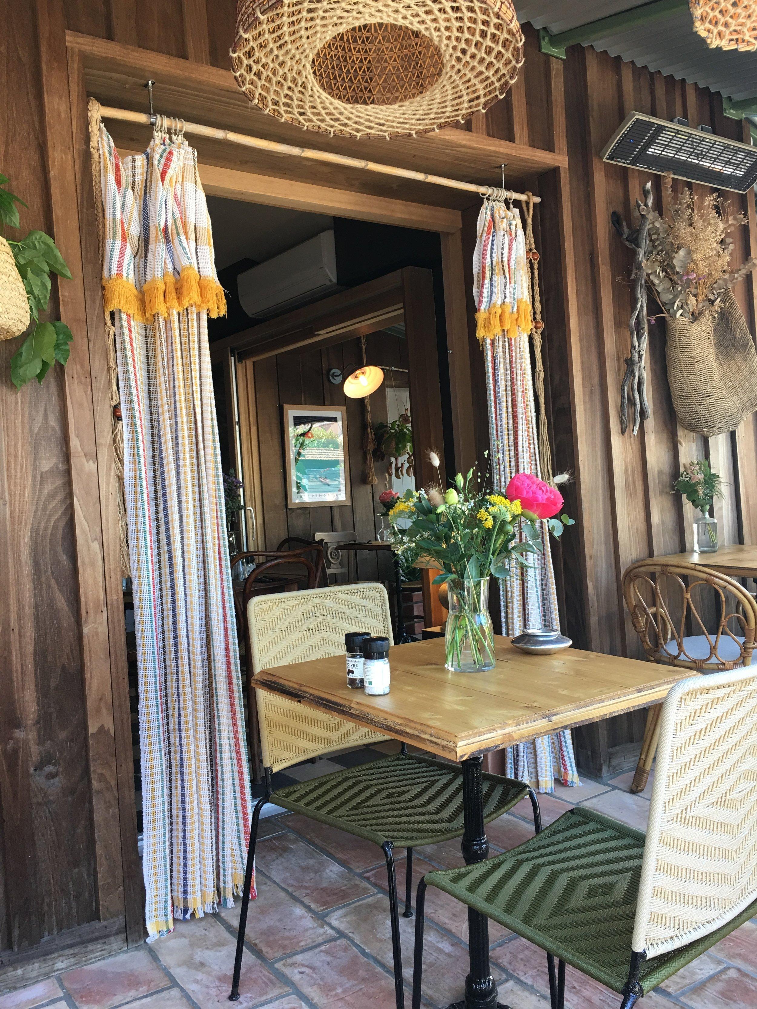 Le Café Bohème - Hyères - photo mouche cousue