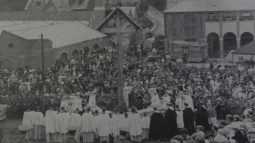 The official consecration of the Wayside Cross on 3 June 1917. Picture courtesy of Chas Townley.