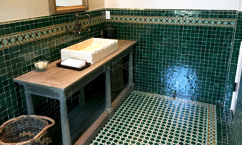 Green zellige of 5cm x 5cm with border BO004 in Light green and Honey. Moroccan floor is ZEL011 in green, Honey and white zellige tiles