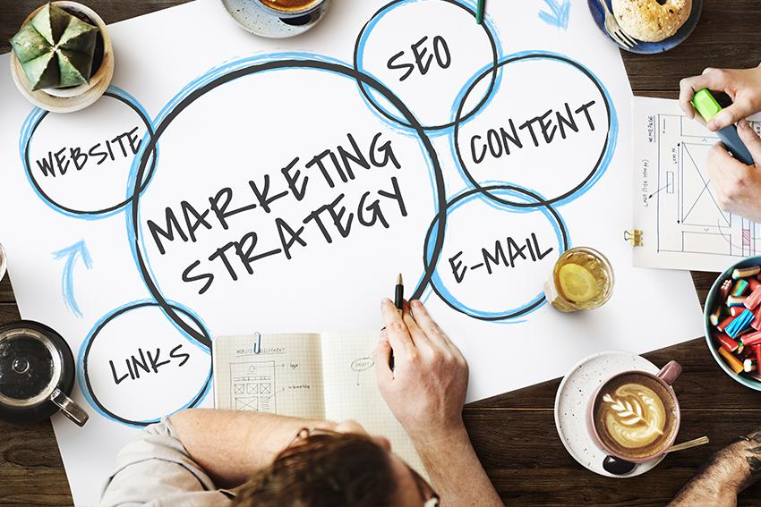Ich biete projektbezogene oder langfristige Beratung für folgende Bereiche an: - Strategisches MarketingMarkenentwicklung und–führungProduktentwicklung oder–relaunchKommunikations- und PromotionkampagnenSales PromotionProduktmanagement und operatives Projektmanagement