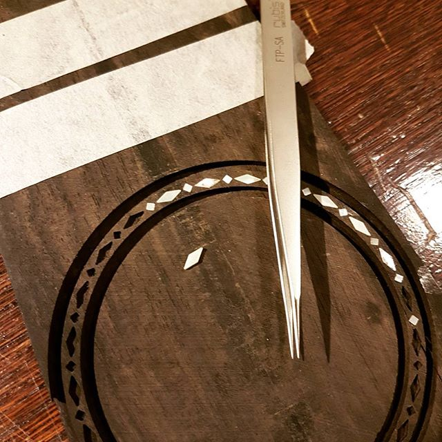 Todays inlay🎸, rosette for a cittern beeing built by master luthier @nordwallinstrument - - #inlay #mrinlay #ebony #rosette #motherofpearl #diamonds #luthier #luthiery #whatsonyourbench