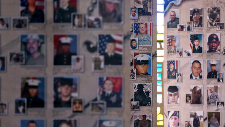 dp-pictures-remembering-our-fallen-exhibition--009.jpg