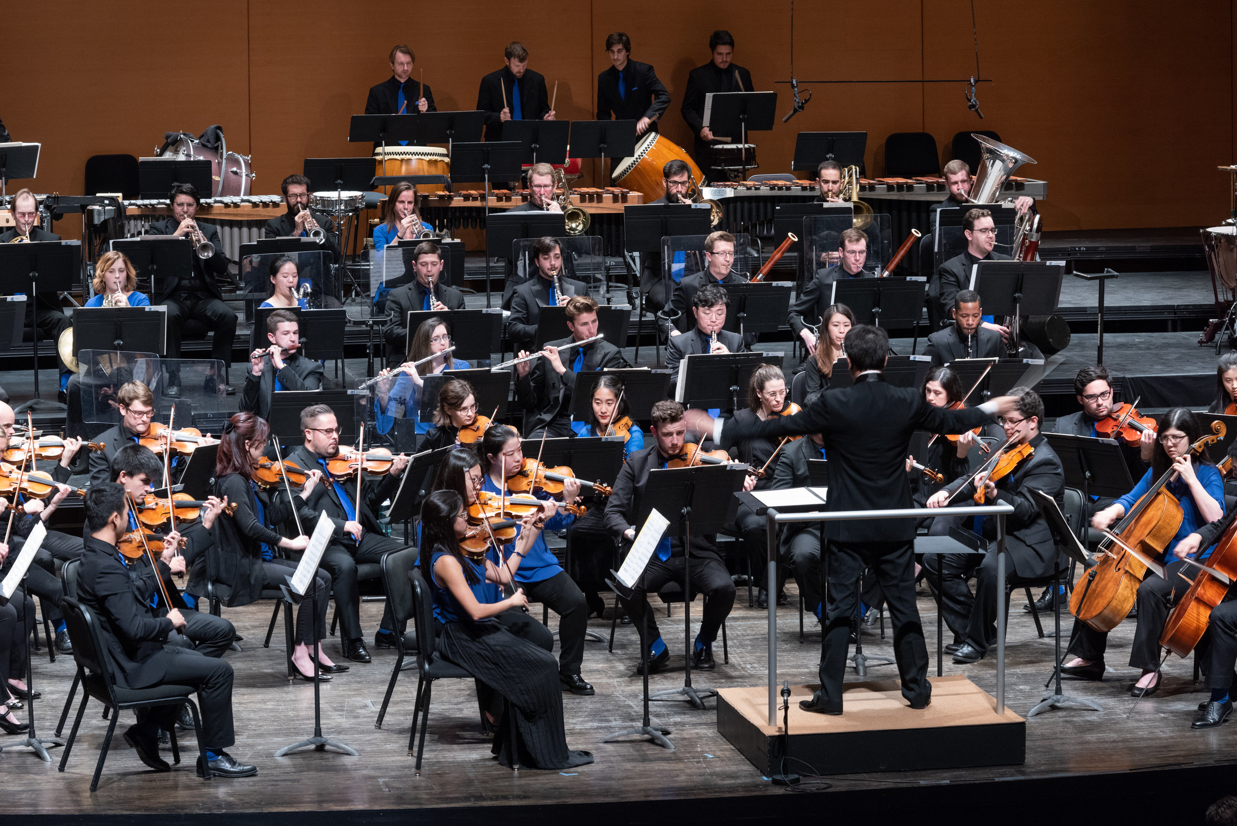 The Orchestra Now with conductor Jindong Cai. Photo by Karl Rabe.