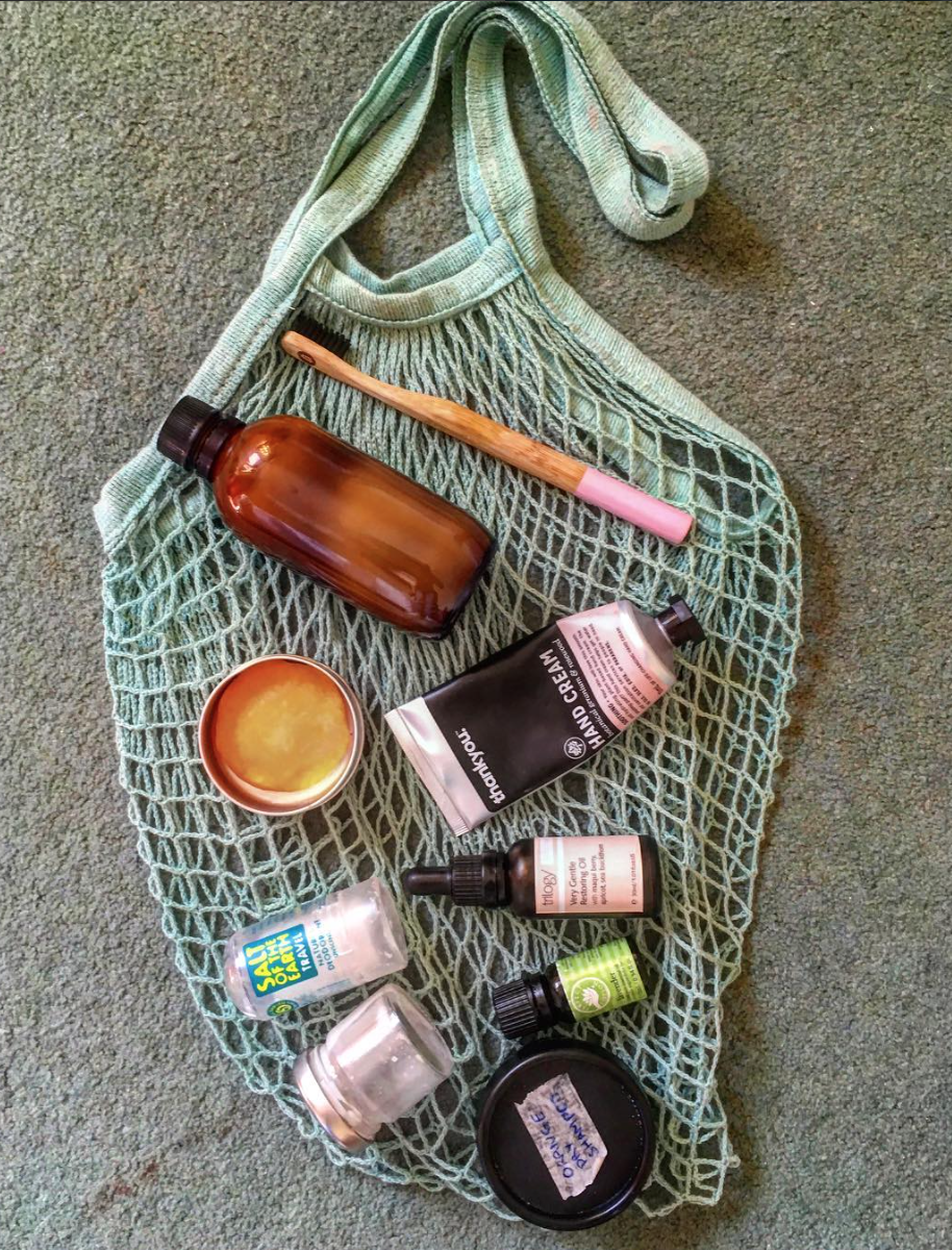 One of my go to travel kits including homemade dry shampoo (2tbsp of cornstarch mixed with a few drops of your favourite essential oil)