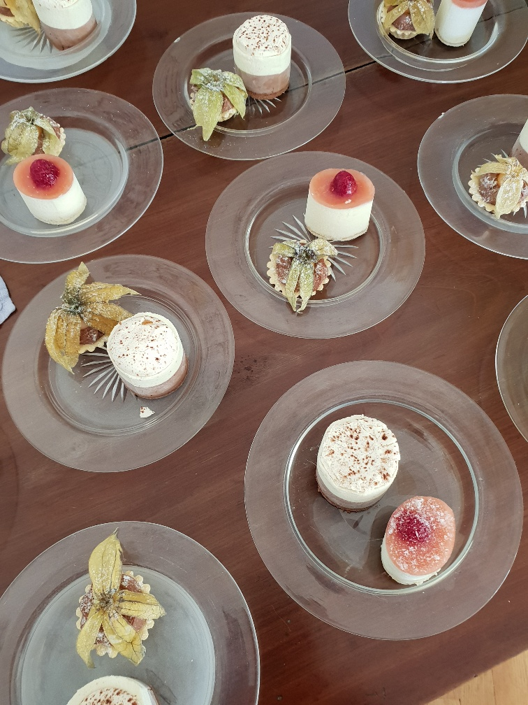 Vi's Party Dessert .jpg