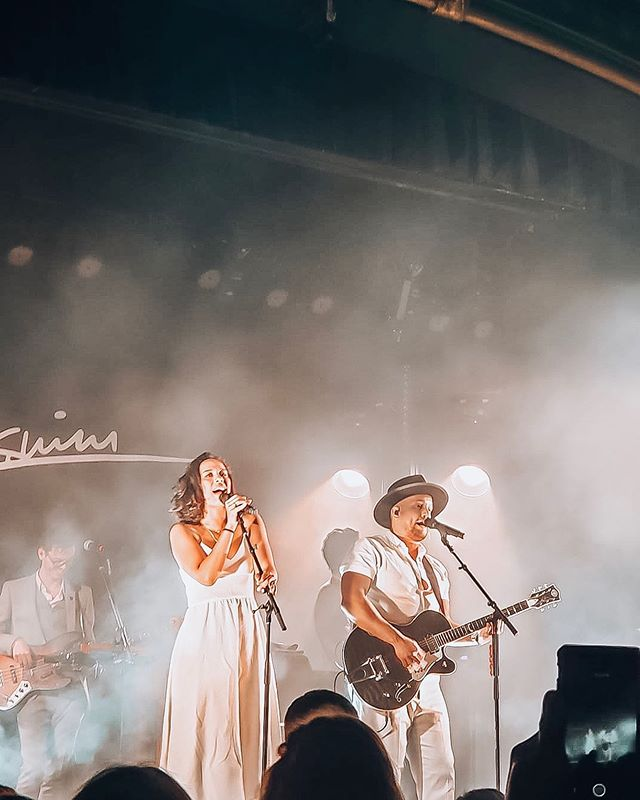 Thank you @johnnyswim for inspiring us young lovers and dreamers last night! Forever our favorites ❤️ last night was magical, thankful that we get to partake in their calling and their love! Such a treat! ✨🔥 - - #Johnnyswim #MoonlightTour