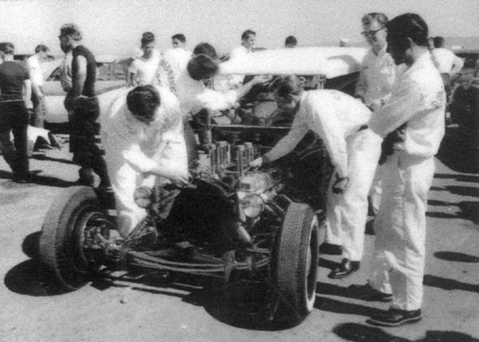 T roadster at Santa Anna.jpg