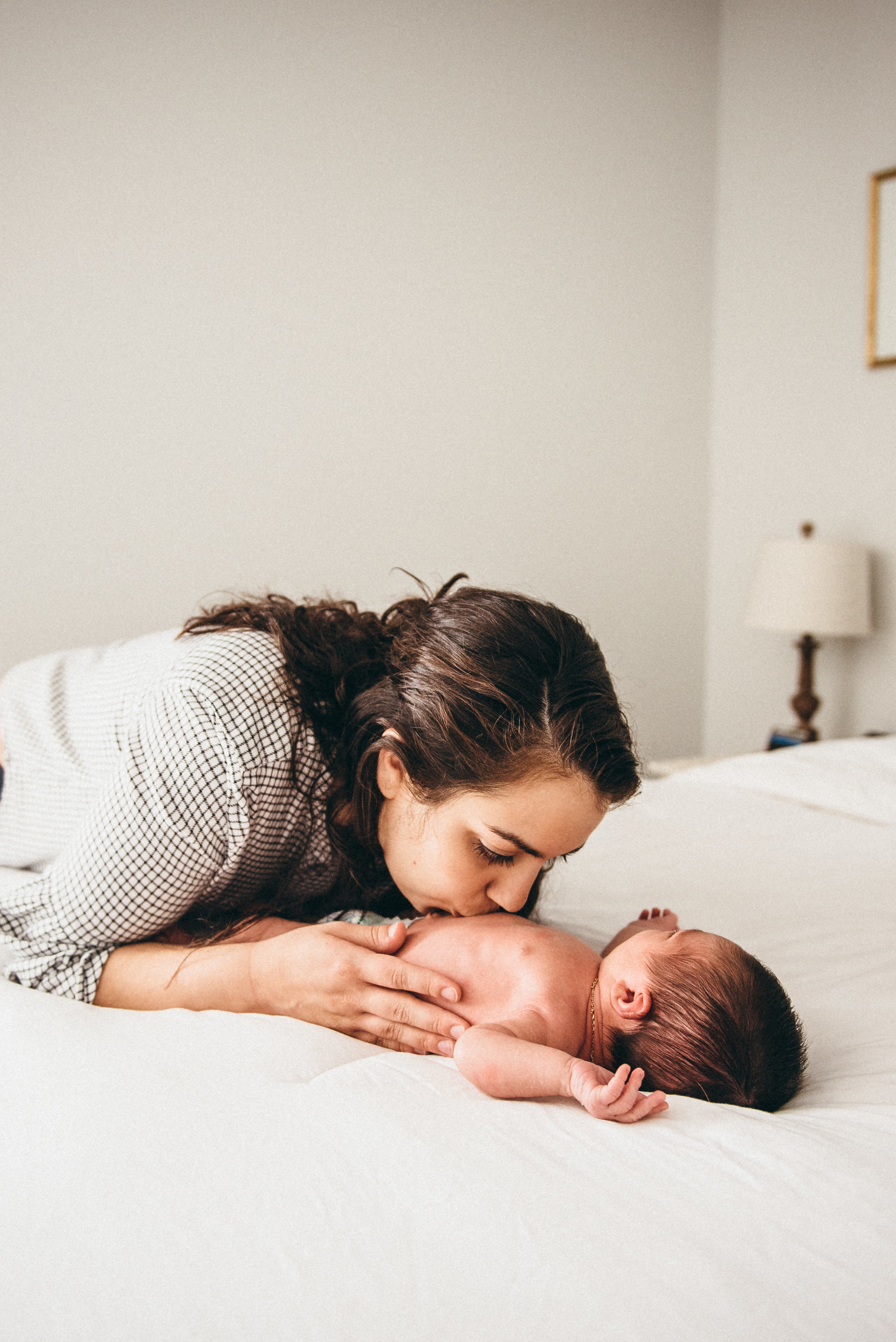 in home shoot - newborn photographer - raleigh photographer - family photographer