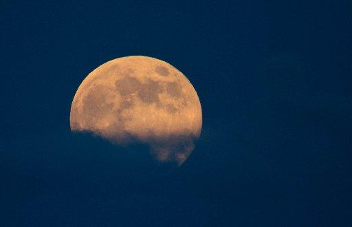 090814-met-super-moon5