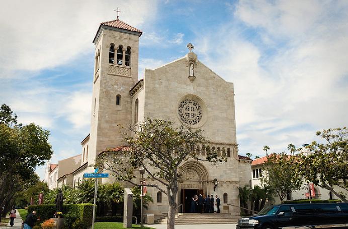 0008-Saint-Monicas-Catholic-Church-Wedding-Santa-Monica-1(pp_w768_h469).jpg