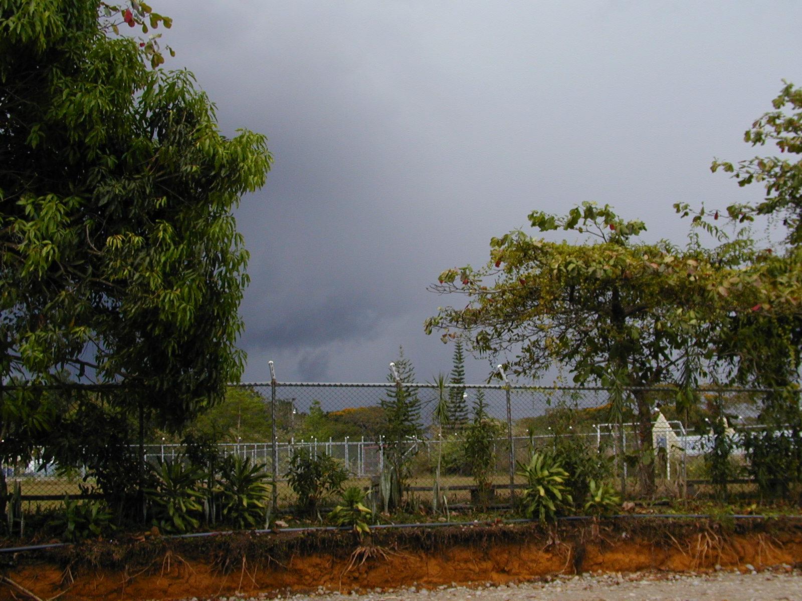 Hogar Clouds2.JPG