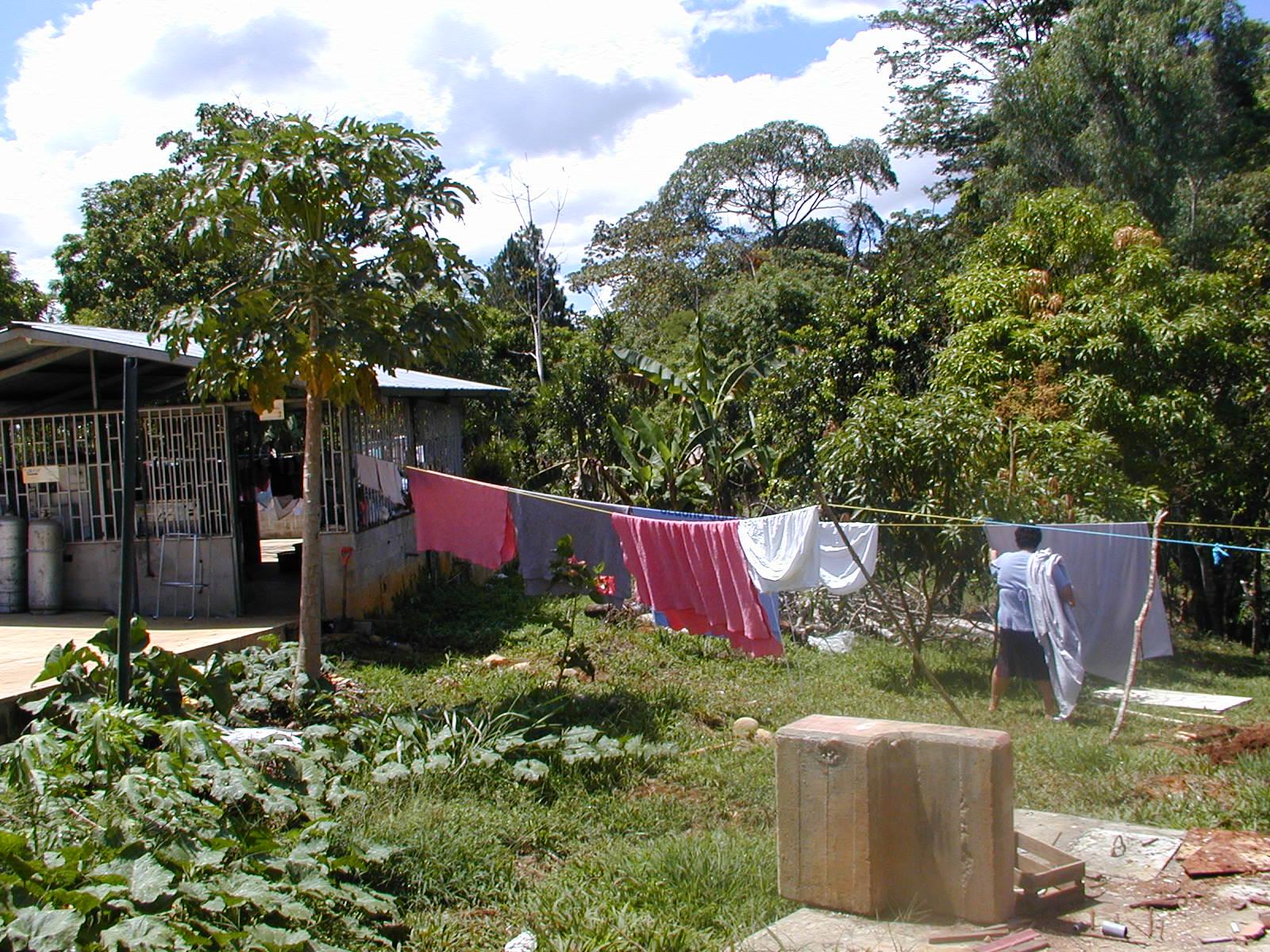 Hogar laundr.JPG