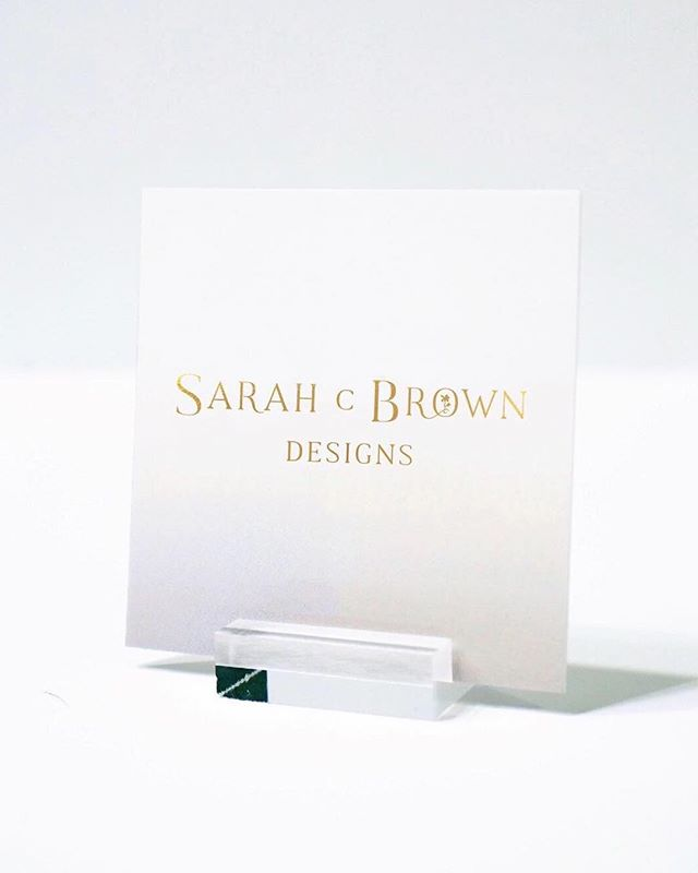 I am so excited to share the brand identity design done for Sarah C Brown Designs! @sarahcbrowndesigns is a floral designer located in California and serves destination weddings as well. Sarah was an absolute joy to work with and I am so thrilled with the outcome! Link in bio to find my portfolio of featured work done.