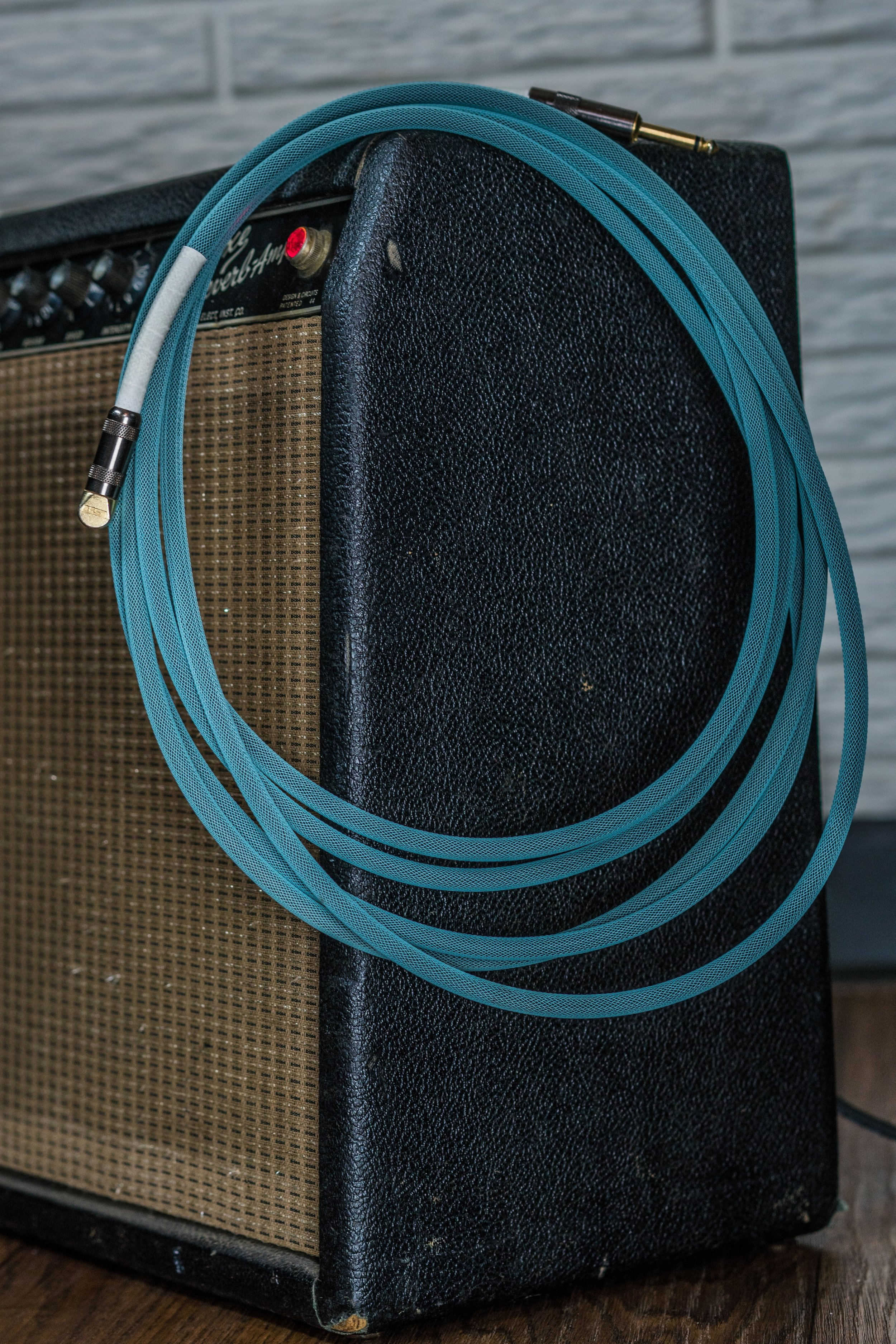 guitar cable small.jpg