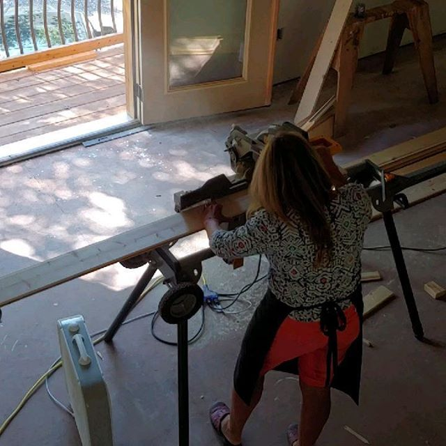 """A strong woman looks a challenge dead in the eye and gives it a wink."""" #woman#powertools#building#buildingadream #igotthis#woodceiling#artstudio#business #artistofinstagram#scholéonthetuck#cfcsarts #jacksoncountync #tuckaseegeeriver"""