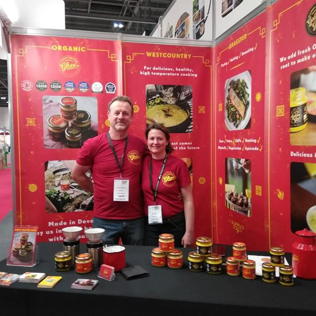Hello 👋 it's us we are on stand R2 at the natural and organic products show at excel, meeting lots of lovely people. Gorgeous new graphics from Matt @studioauto and awesome photos by @rachelhoilephotography #natural #organic #tradeshow #ghee