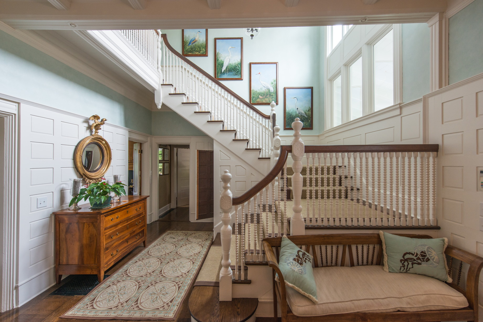 stair hall***.jpg