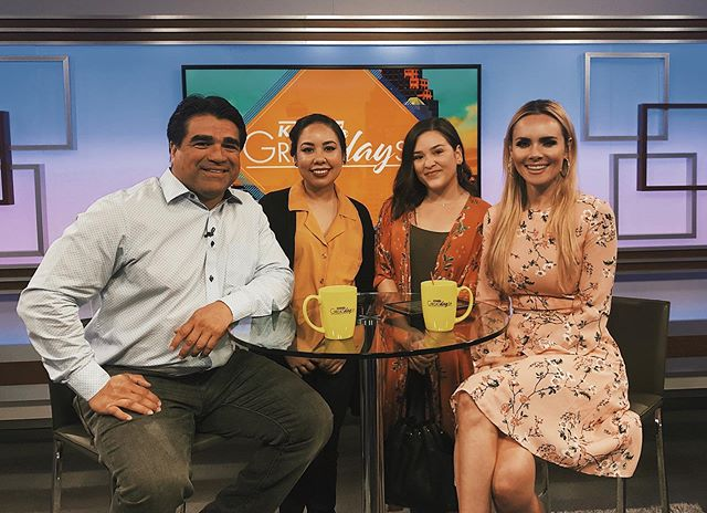 Such a fun time @itsagreatdaysa 🌞 I had a segment with an awesome local photographer who specializes in maternity and newborn photography. If you watched it let me know! If not it will be up on my website soon. Thanks for having us @kens5! . . . . . . . . . . #crueltyfreemakeupartist #femaledomination #bossupwiseupbeforeyourtimesup #bossladyonthemove #nerdiacatmakeup #healthybeauty #nontoxicbeauty #indiebeauty #natpemiami #indiebeautybrands #supportsmallbusiness #supportwomenbusiness #womenownedbusiness #createyourself ##CreateYourLegacy #bossbabesunite #latinabosses #naacp #cleancosmetics #bossbabeentrepreneurs #beautywithapurpose #bossbabesunite #femme #femalephotographer #femalebusiness #artandmakeup #createyourhype #womeninspiration #latinasinfilm #createforacause