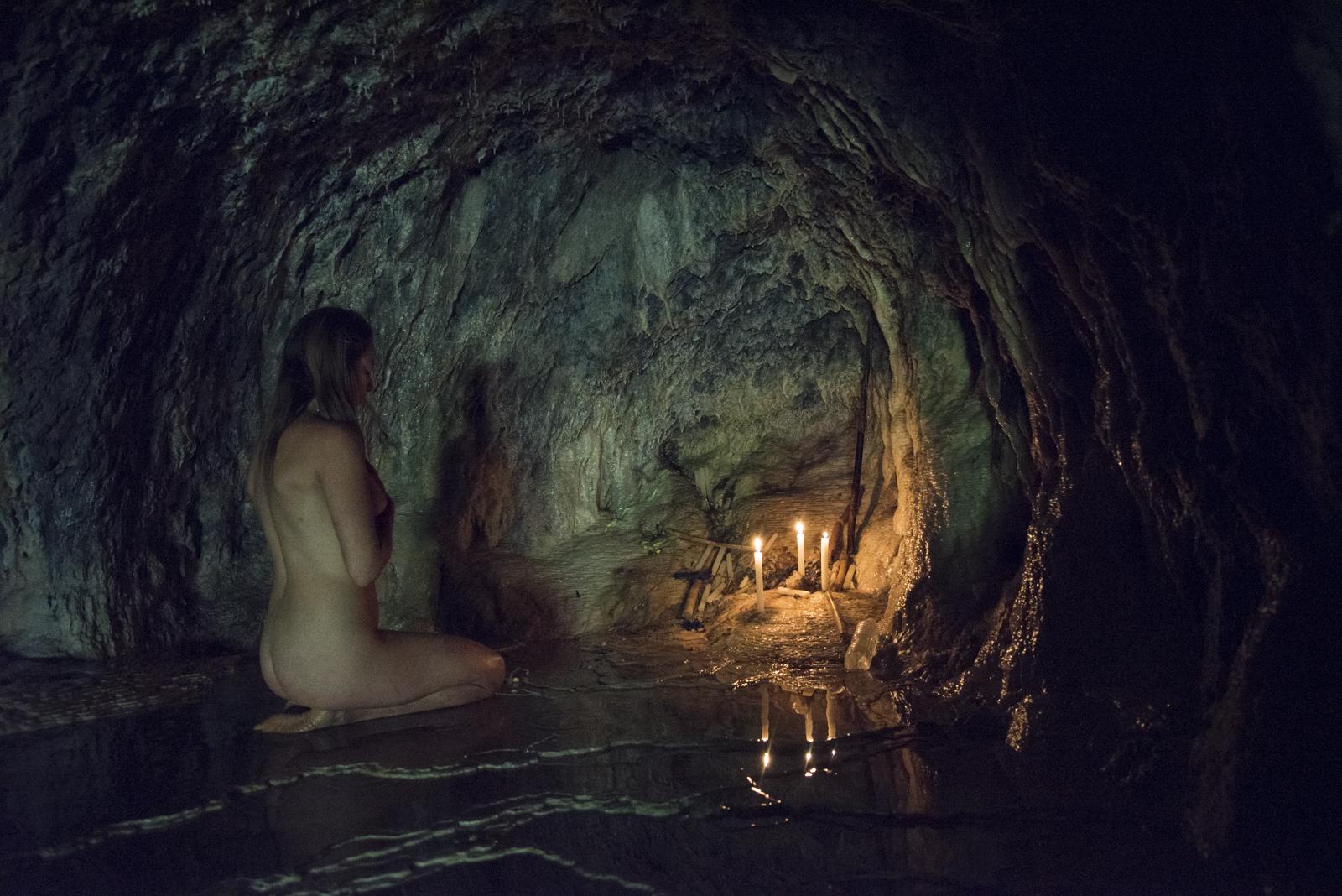 Ceremony in the sacred cave #clairesashine #photography #Mexico #travel #nomadlife #welivetoexplore #wildwomen #goddess #witch #shaman #sheexplores #magic #wildwoman #pachamama #womenempowerment  #nude #goddessrising #sacredfeminine  #spiritual #conscious #cave #nomad #ceremony #sisterhood #artphotography #women