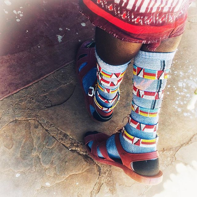 Whoever said socks & sandals weren't fashionable had never met the #Samburu ✨ _________________________ @samburutrust @olmalo #safarichic #samburustyle #fashion #beads #safaristyle