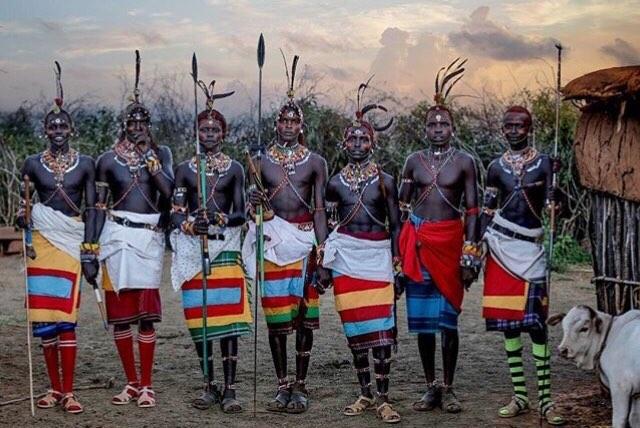 Band of Brothers  ______________________________________________ ( 📷 @rychteckyphotographer ) @samburutrust @olmalo ✨  #samburu #warriors #community #strength #brotherhood #nomad