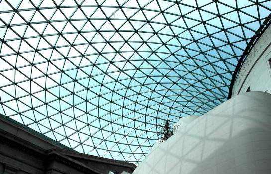 The ceiling of the Great Court at the British Museum features 1,656 uniquely shaped panes of glass, making up 6,100m2 of glazing. Each piece of glass is a different shape because of the undulating design of the roof.