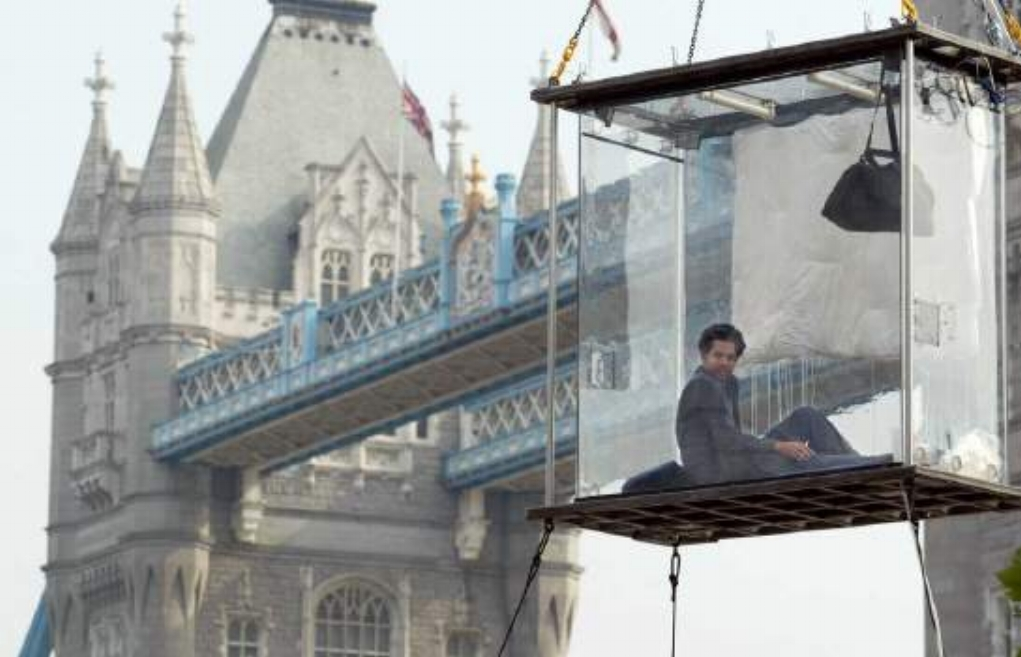 For 44 days in 2003, endurance artist David Blaine was locked inside a 3x7x7-foot transparent plexiglass box on the Southbank of the Thames, near Tower Bridge, and suspended 30ft in the air, without any food. His only nourishment was 4.5 litres of water a day.